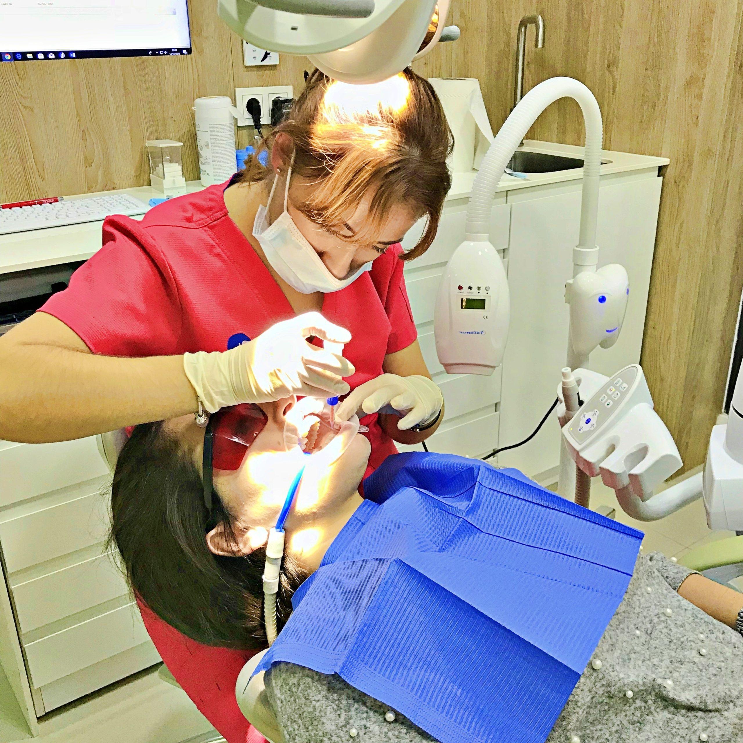 Blanqueamiento Dental: Qué es y Cuáles son sus Ventajas 10