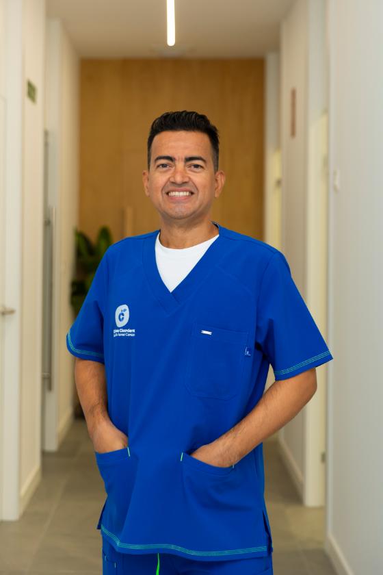 Dr Walter Torres